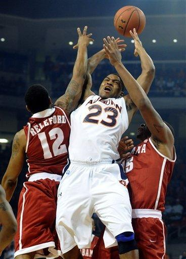 Green leads Alabama past Auburn 68-50
