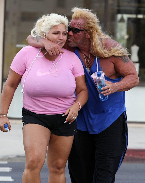 DogTheBountyHunter-Beth-1TanningSalon110712-jpg