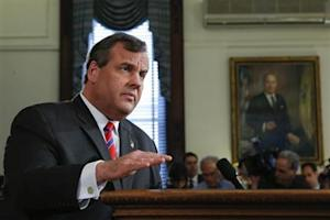 New Jersey Governor Christie speaks during a news conference in Trenton, New Jersey
