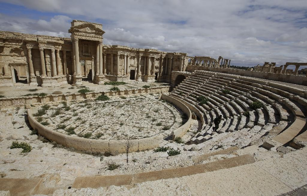 IS 'executes' 20 in Palmyra Roman theatre