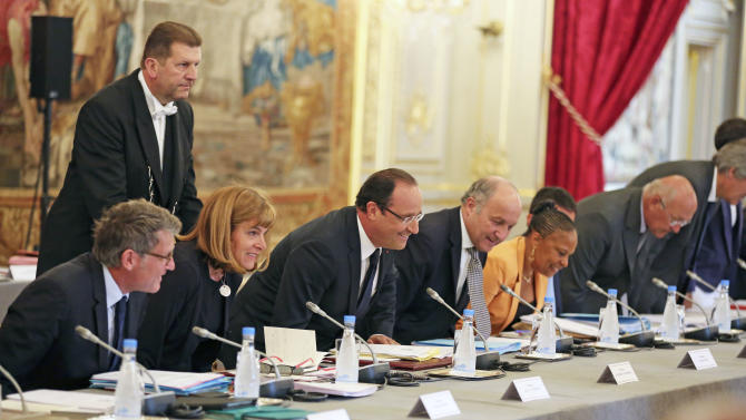 French government predicts rosy future (in 2025)