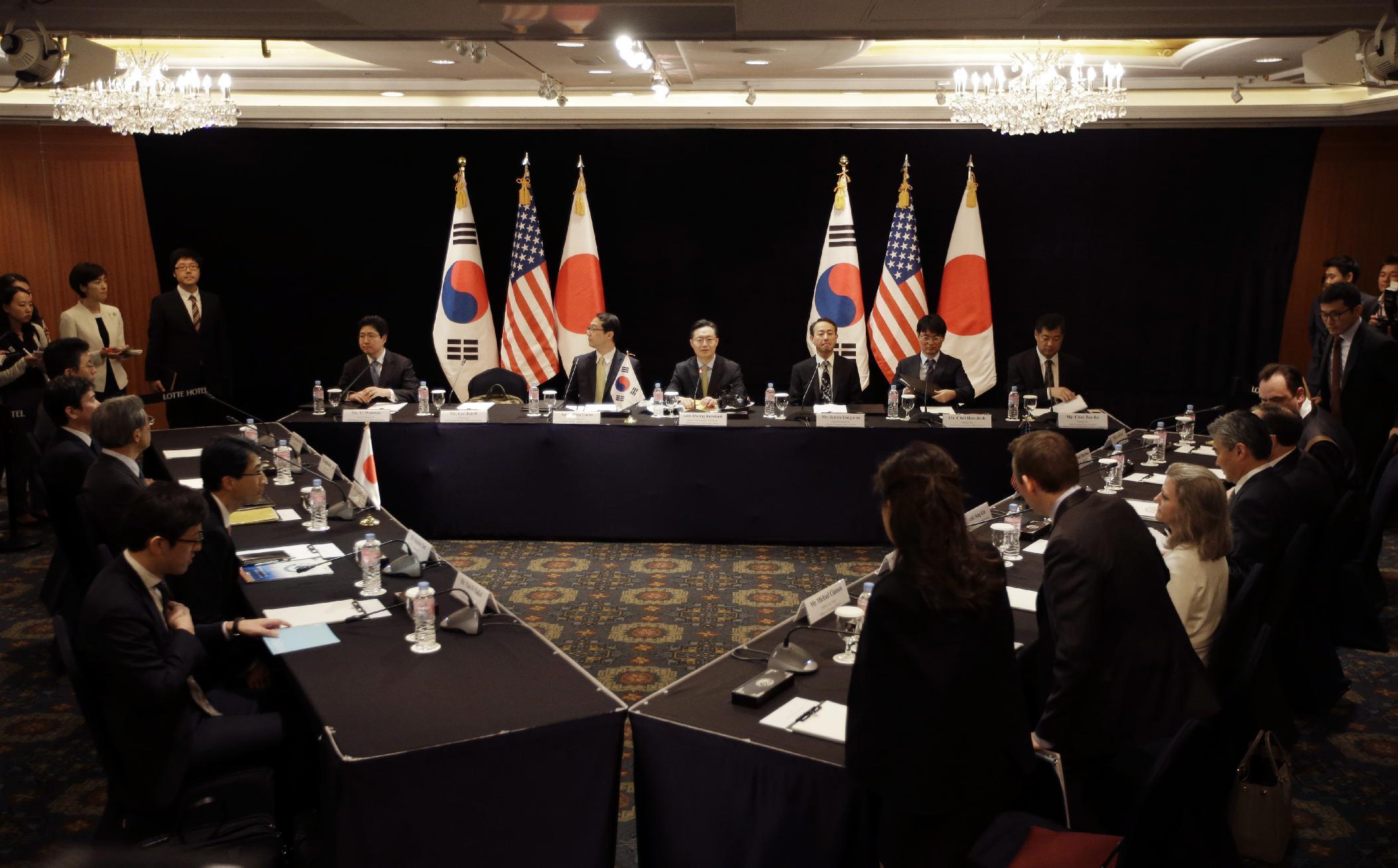 Envoys from S. Korea, US, Japan discuss N.Korean nuke threat