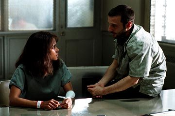 Halle Berry and director Mathieu Kassovitz on the set of Warner Bros. Gothika