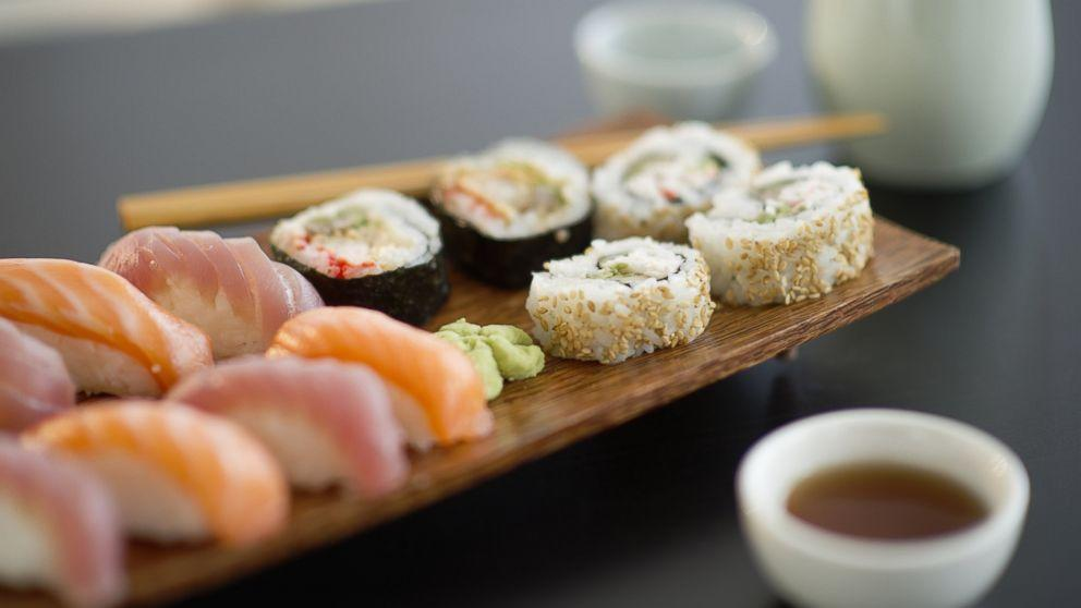 Sorry, Pregnant Women, New Study Is Not a Carte Blanche to Eat Sushi