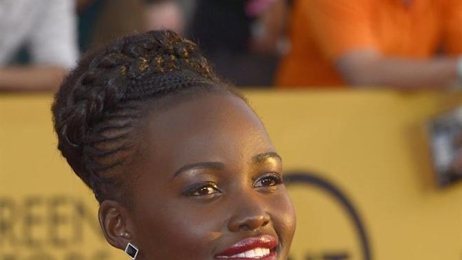 JGM86. Los Angeles (United States), 26/01/2015.- Kenyan actress Lupita Nyong'o arrives at the 21st annual Screen Actors Guild Awards ceremony at the Shrine Auditorium in Los Angeles, California, USA, 25 January 2015. (Estados Unidos) EFE/EPA/PAUL BUCK