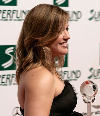 Kelly Clarkson at the Women's World Award 2009 (Wiener Stadthalle, Vienna, Austria)