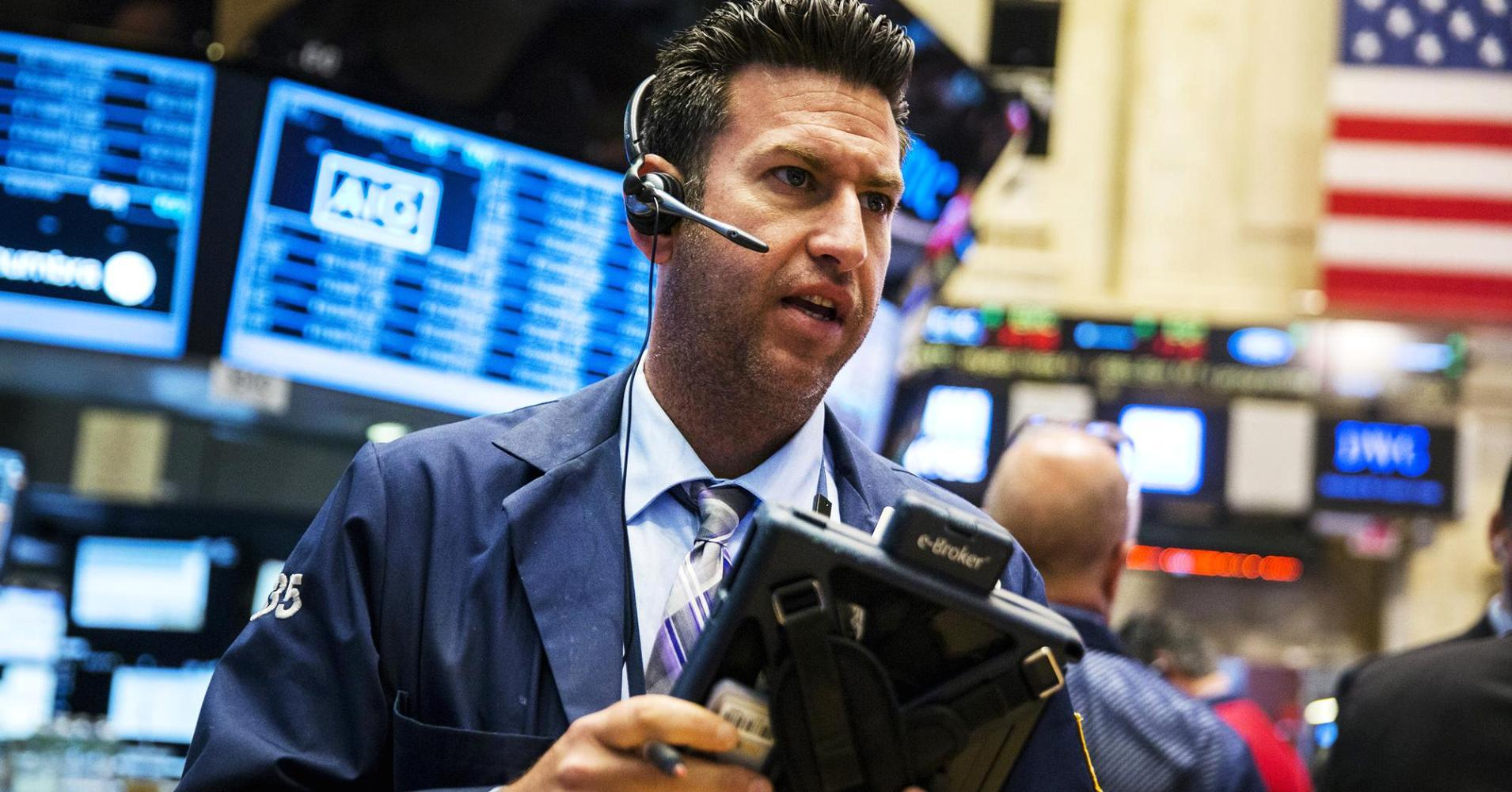 Early movers: HAS, DO, CTSH, APOL, TWTR & more