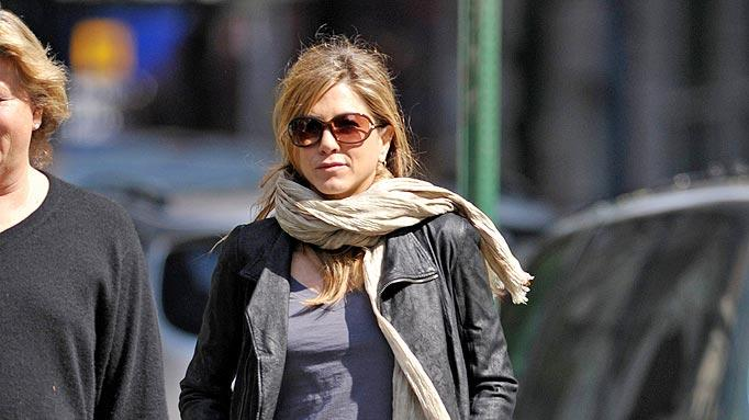 Aniston Jennifer Out InNY