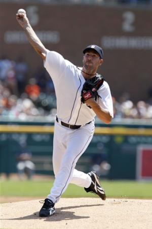 Verlander no-hits Texas until 7th, Tigers win