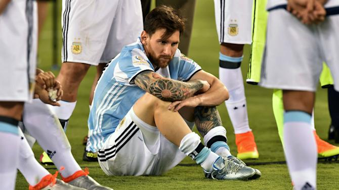 Mendieta: Messi loves Argentina and football too much not to play again