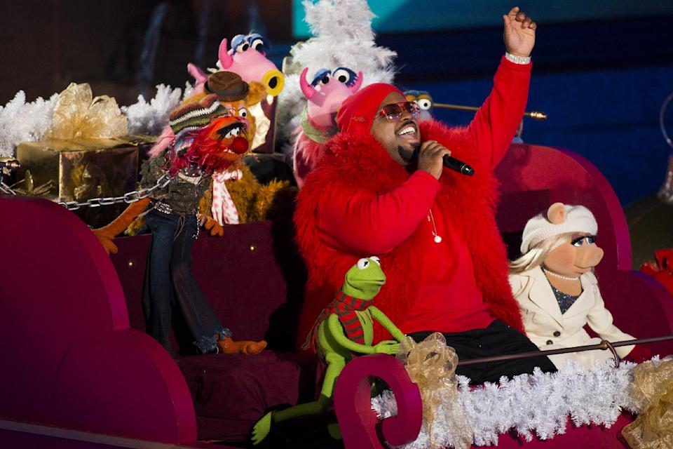 CeeLo Green performs with the Muppets at the 80th annual Rockefeller Center Christmas tree lighting ceremony on Wednesday, Nov. 28, 2012 in New York. (Photo by Charles Sykes/Invision/AP)