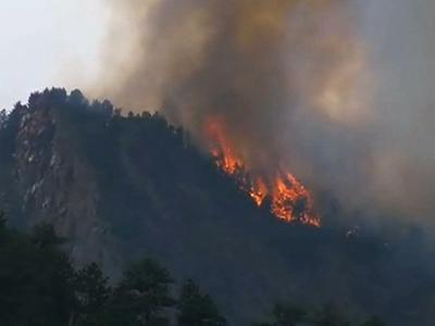 Lightning sparks fire, evacuations from Boulder