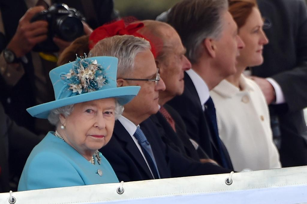 Queen sails on Malta harbour in nostalgic tour of beloved island