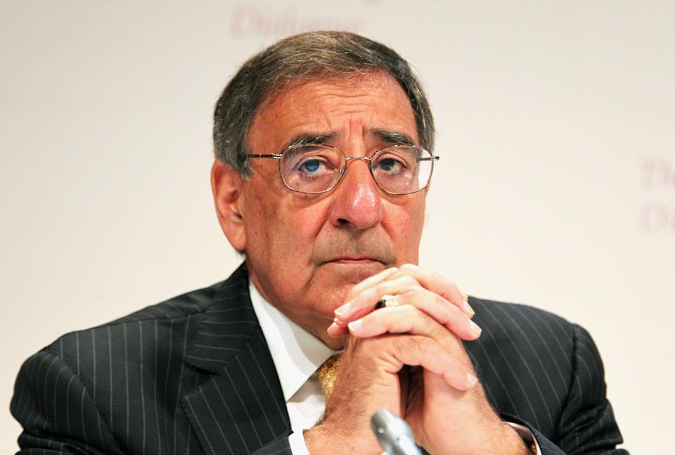 "U.S. Defense Secretary Leon Panetta waits to deliver his speech  on the ""US Rebalance Towards The Asia Pacific"" at the IISS Shangri-la Security Summit on Saturday June 2, 2012 in Singapore.(AP Photo/Wong Maye-E)"