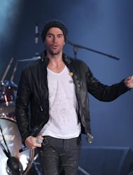 American Idol tiene inters en Enrique Iglesias
