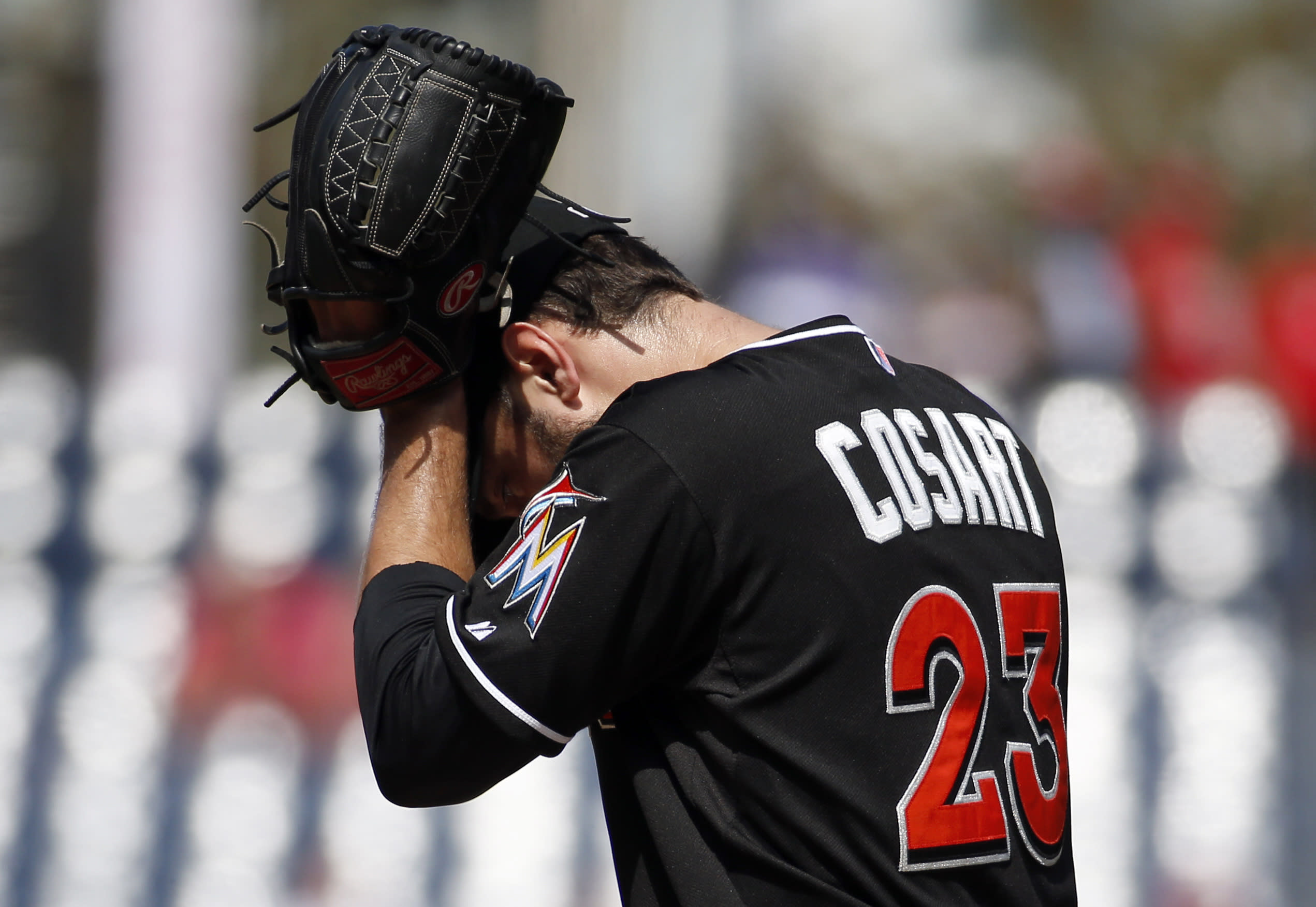 Report: Marlins pitcher Jarred Cosart to be investigated by MLB for alleged gambling ties