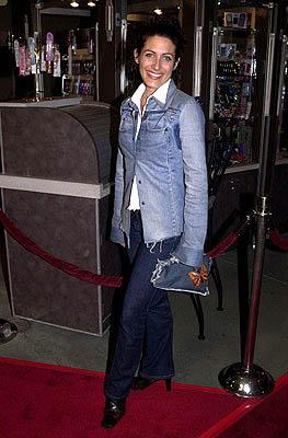 Premiere: Lisa Edelstein at the LA premiere of Screen Gems' Resident Evil - 3/12/2002