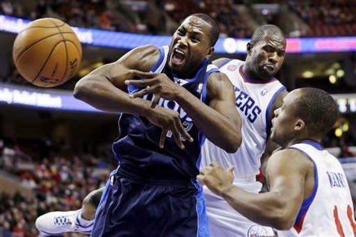 Turner, Young lead 76ers past Mavericks 100-98