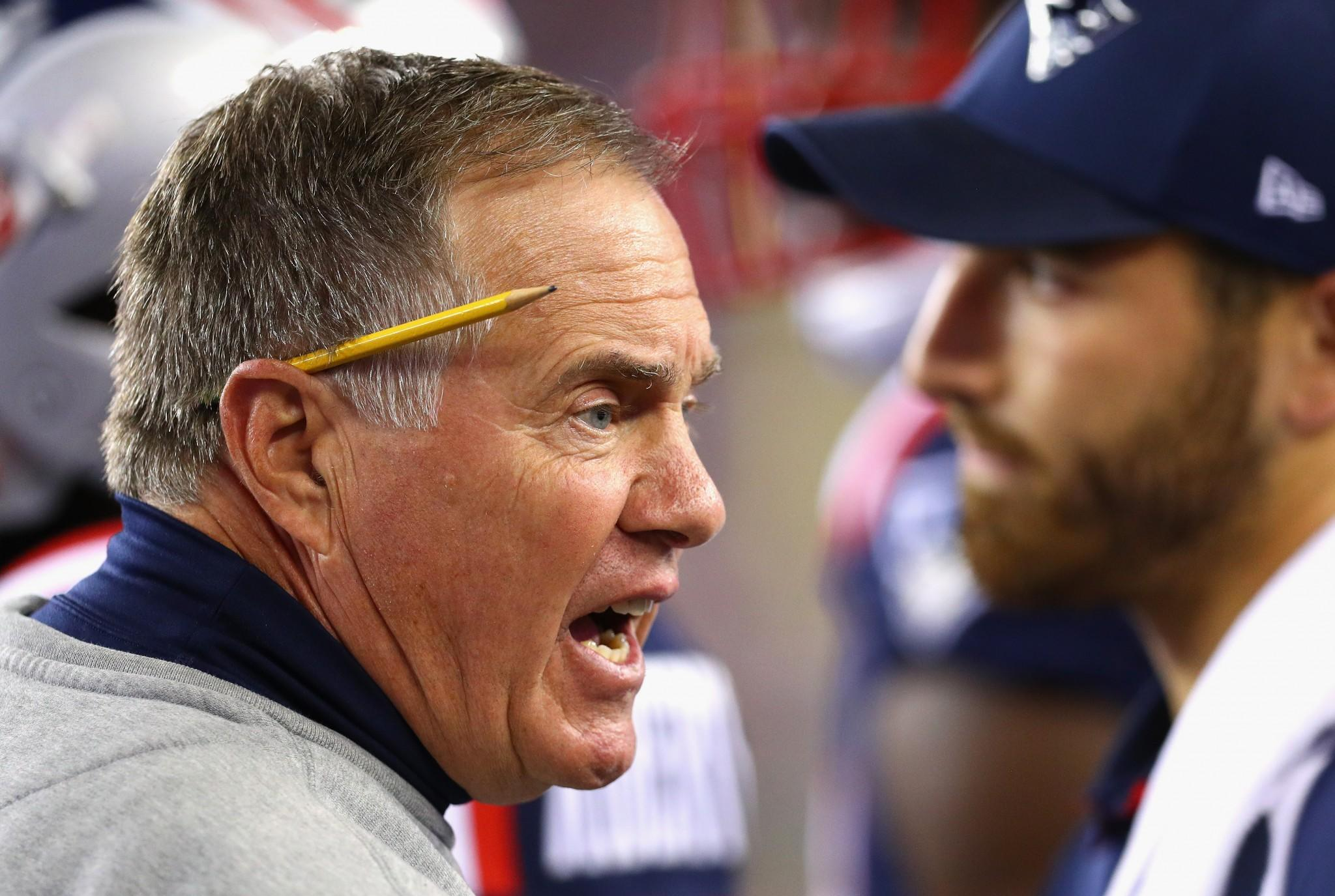 Listen to Bill Belichick tear into 'Tuck Rule' referee after Week 3 fumble (Video)