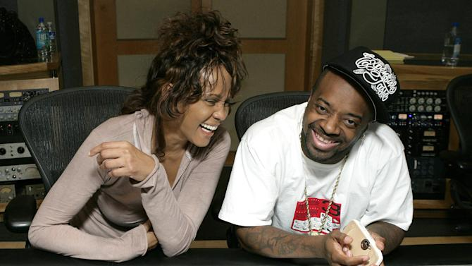 "EXCLUSIVE CONTENT - PREMIUM RATES APPLY Whitney Houston in studio with Jermaine Dupri recording her last single ""Never Give Up"" on May 7, 2007 in California. (Photo by Todd Williamson/Invision/ AP Images)"