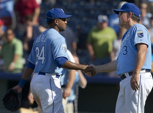 Abreu's 3 RBIs help Royals over Twins 6-4