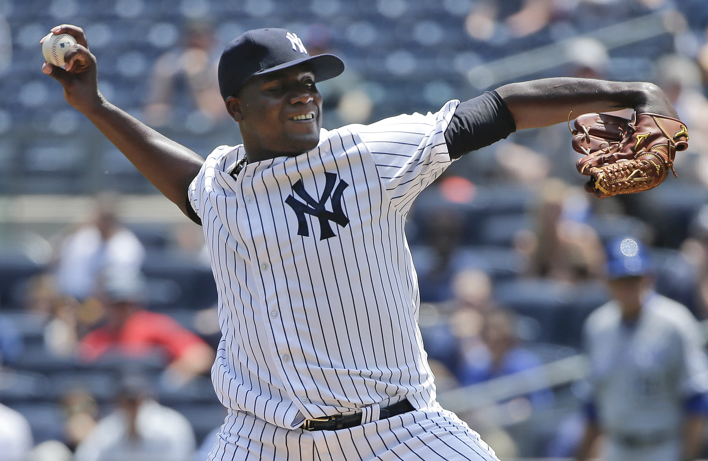 LEADING OFF: Pineda back in Seattle, surging Twins at Fenway