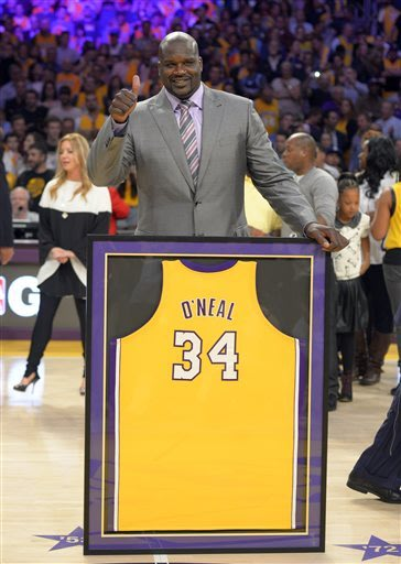 Lakers hang Shaq's No. 34 jersey in the rafters