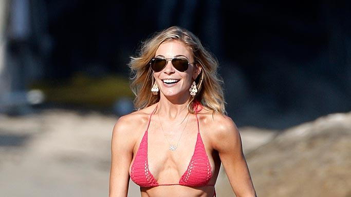 LeannRimes-BeachInMalibu082711