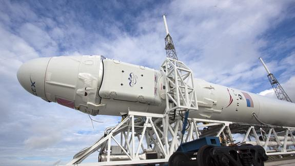 Private Dragon Spacecraft 'Go' to Launch Space Station Cargo Sunday