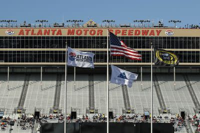 NASCAR Atlanta 2015: Start time, TV schedule for QuikTrip Folds of Honor 500