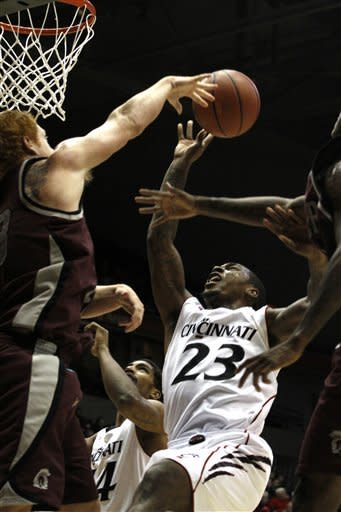 No. 11 Cincinnati beats UALR 87-53
