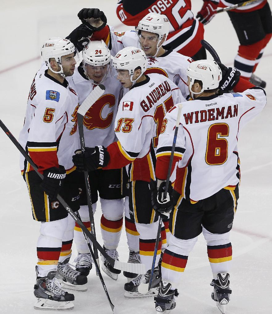 Monahan power-play goal gives Flames win over Devils, 3-1