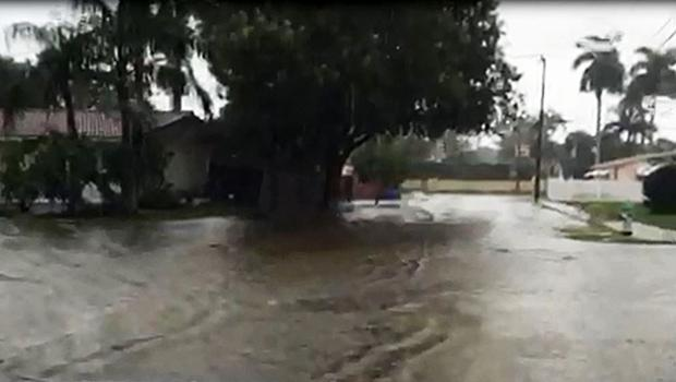 Flooding overtakes South Florida streets