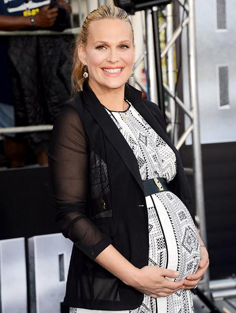 "Pregnant Molly Sims: I'm Worried I'll Go Into Labor at ""Any Moment"""