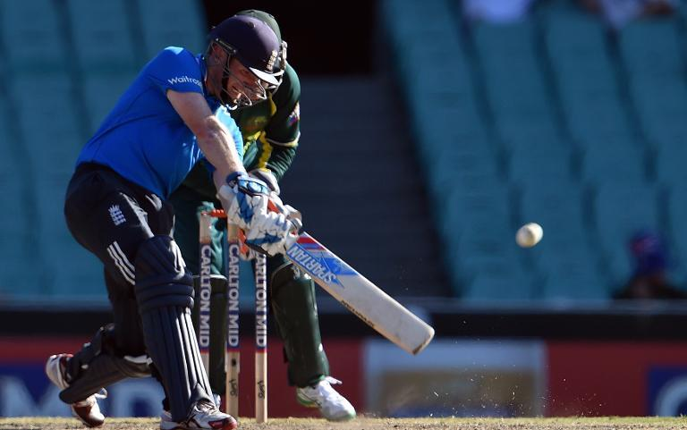 England, India face knockout tie for tri series final