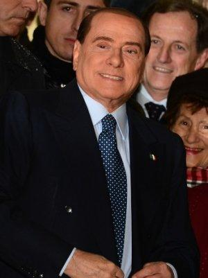 Berlusconi Vows to Stay in Politics, Even if Booted From Senate