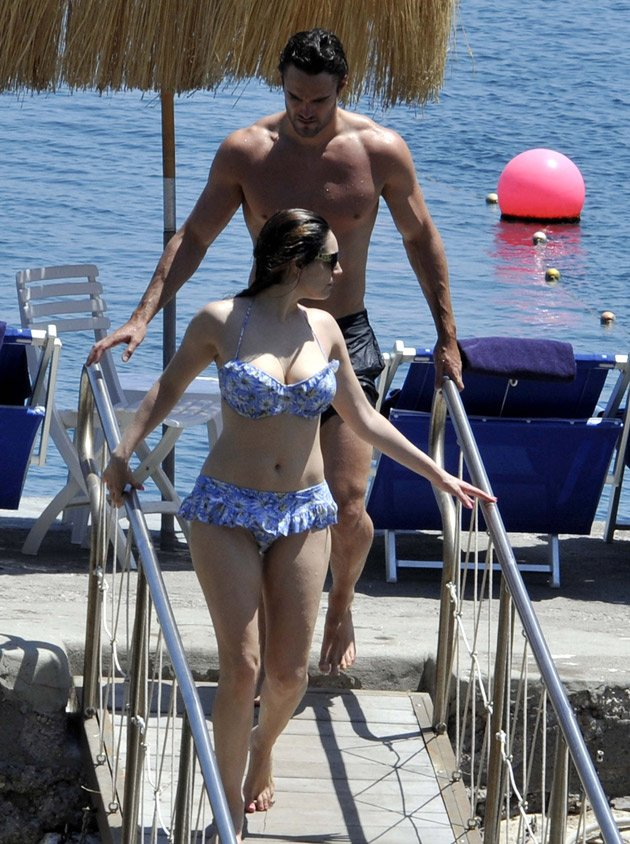 Kelly Brook, Thom Evans, bikini, holiday