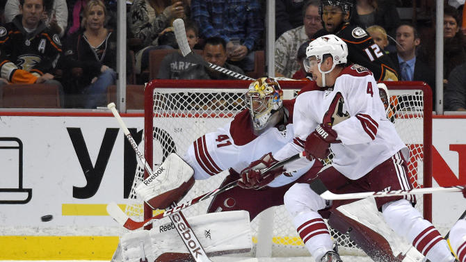 Coyotes rally to beat Ducks 3-2 in shootout
