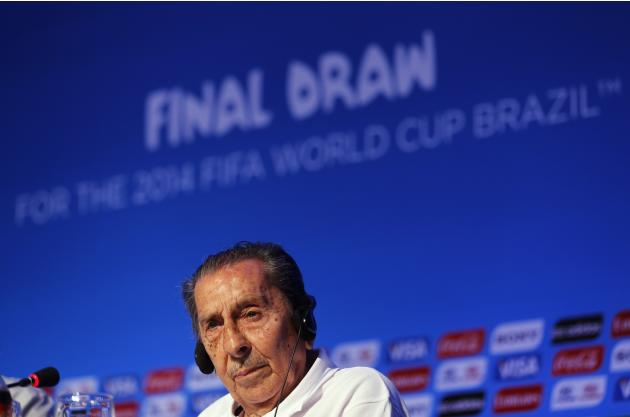 Former Uruguay soccer player Alcides Ghiggia attends a news conference ahead of the 2014 World Cup draw at the Costa do Sauipe resort in Sao Joao da Mata