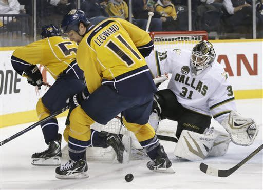 Stars win 4th straight, beat Predators 5-2