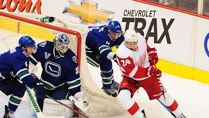 NHL: Detroit Red Wings at Vancouver Canucks