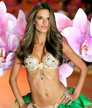 PICTURE: Alessandra Ambrosio Models $2.5 Million Bra at Victoria's Secret Fashion Show