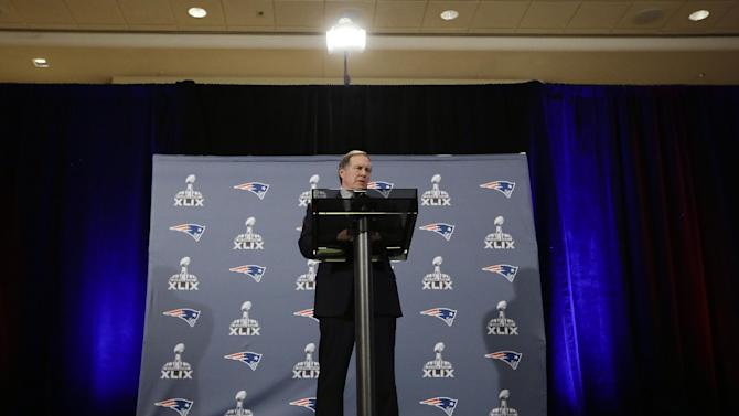 New England Patriots head coach Bill Belichick answers questions during a news conference Monday, Jan. 26, 2015, in Chandler, Ariz. The Patriots play the Seattle Seahawks in NFL football Super Bowl XLIX Sunday, Feb. 1, in Phoenix