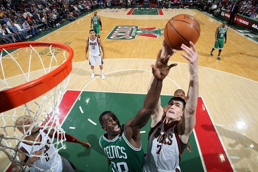 Celtics end Bucks' 6-game winning streak, 100-91