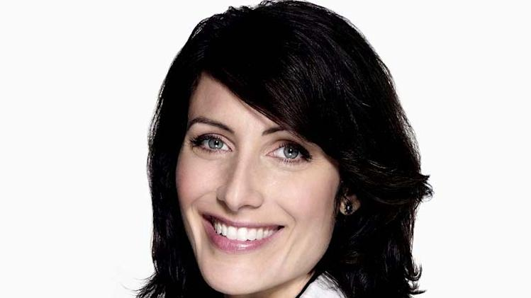Lisa Edelstein stars as Dr. Lisa Cuddy on the 4th season of House.