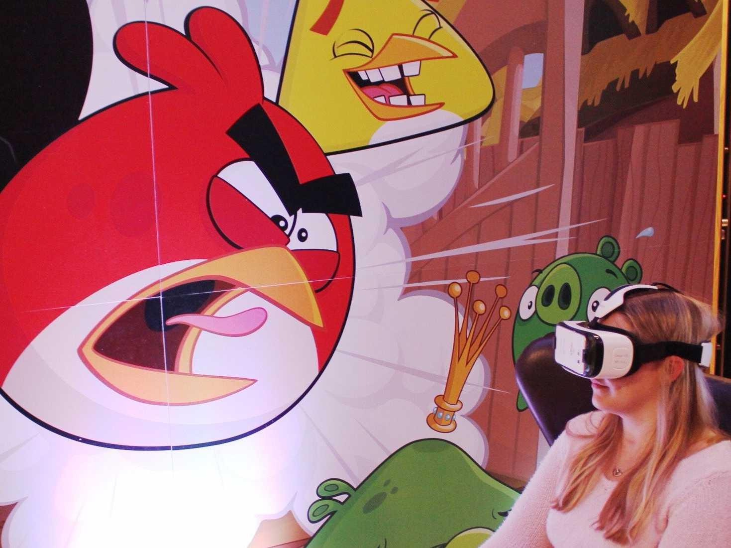 What it's like to play Angry Birds in virtual reality