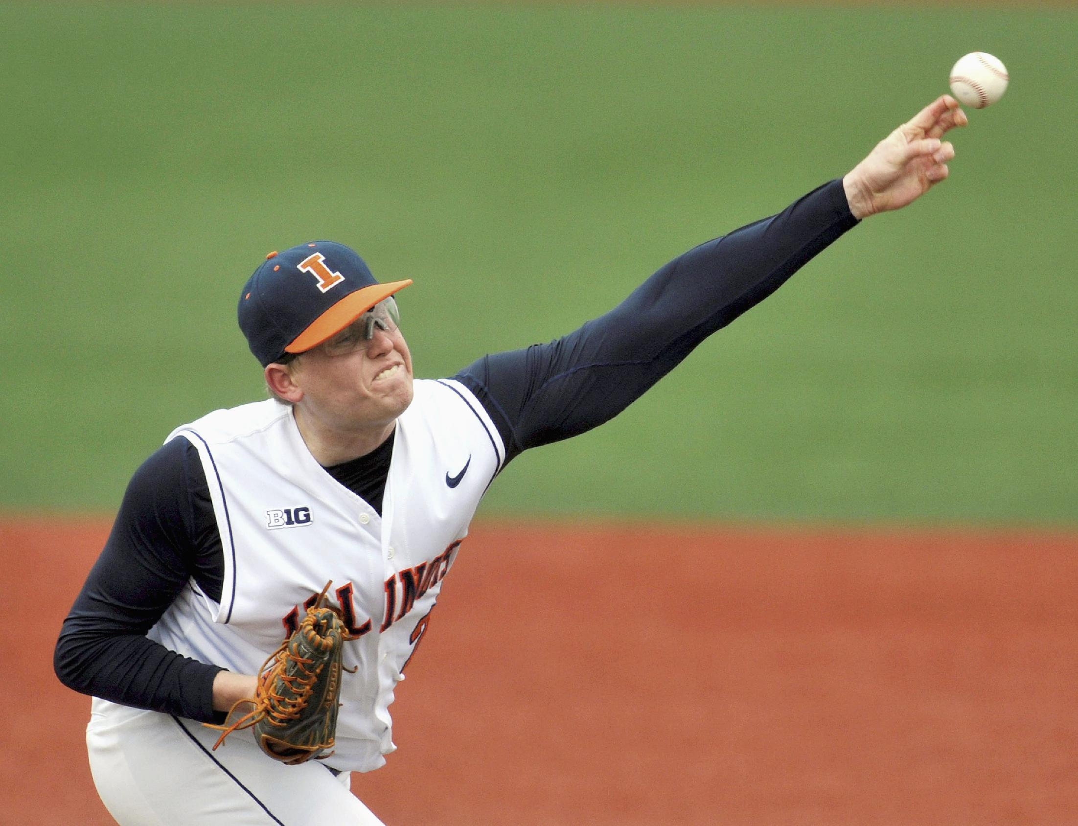 Pitching, power fuel B10-leading Illini's 17-game win streak