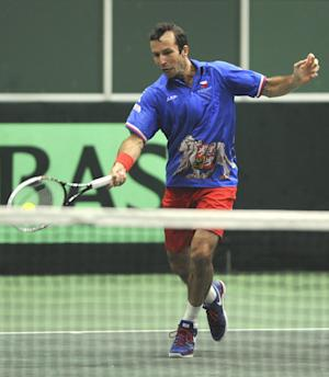 Czechs lead Netherlands 2-1 in Davis Cup