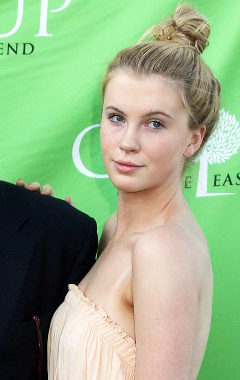 "Ireland Baldwin Signs With Modeling Agency, Says She Feels ""Blessed, Happy"""