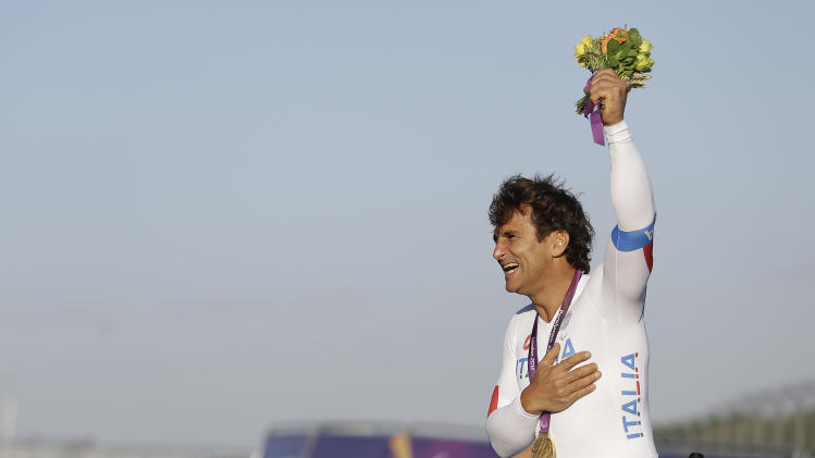 Former F1 driver Zanardi returns to auto racing